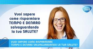 donna con capelli rossi e occhiali che fa occhiolino e sorride