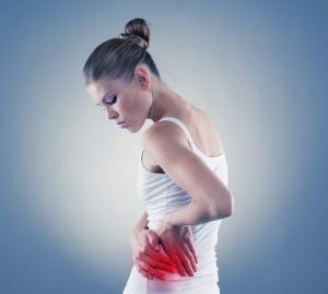 donna con dolore all'anca